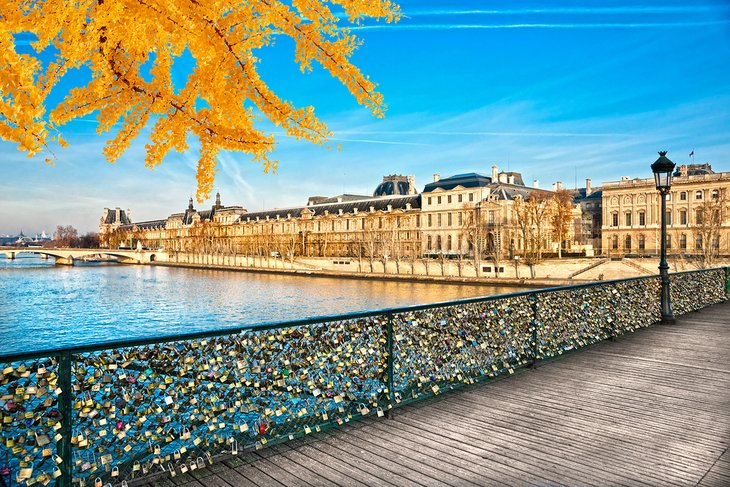 europe-top-attractions-louvre-museum-france